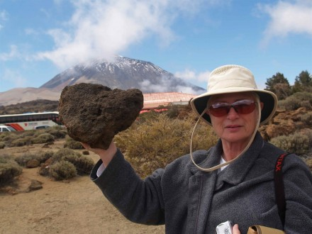Figure 7 — Demonstration on how light the pumice stone is (Tenerife, Canarias Archipelago).