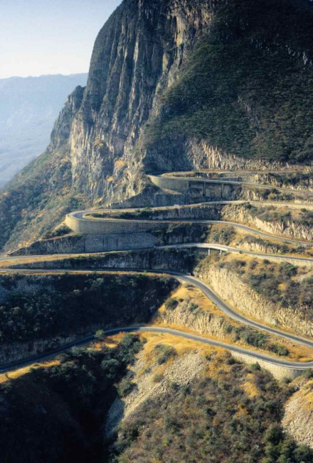 Figure 62 The road down the escarpment (Serra da Leba, Angola).