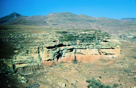 Figure 50 - The Cave Sandstone, with abundant  aeolian caves (Brandwag, South Africa).