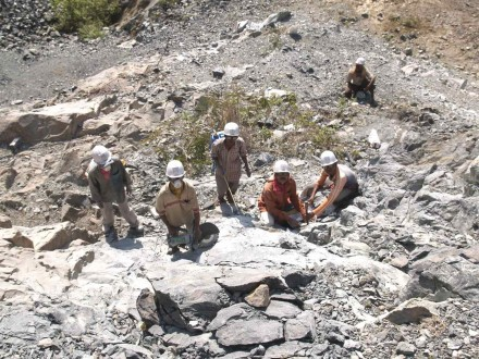 Figure 157 - Sampling team at work (Boula, India).