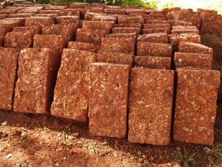 Figure 167 - Laterite construction blocks (Orissa, India).